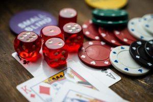 Casino sirut ja pelikortit